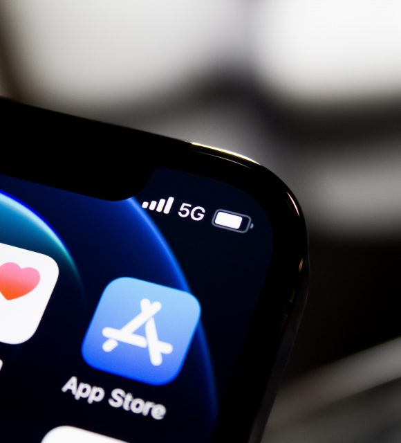 5G-iphone- Photo de James Yarema sur Unsplash