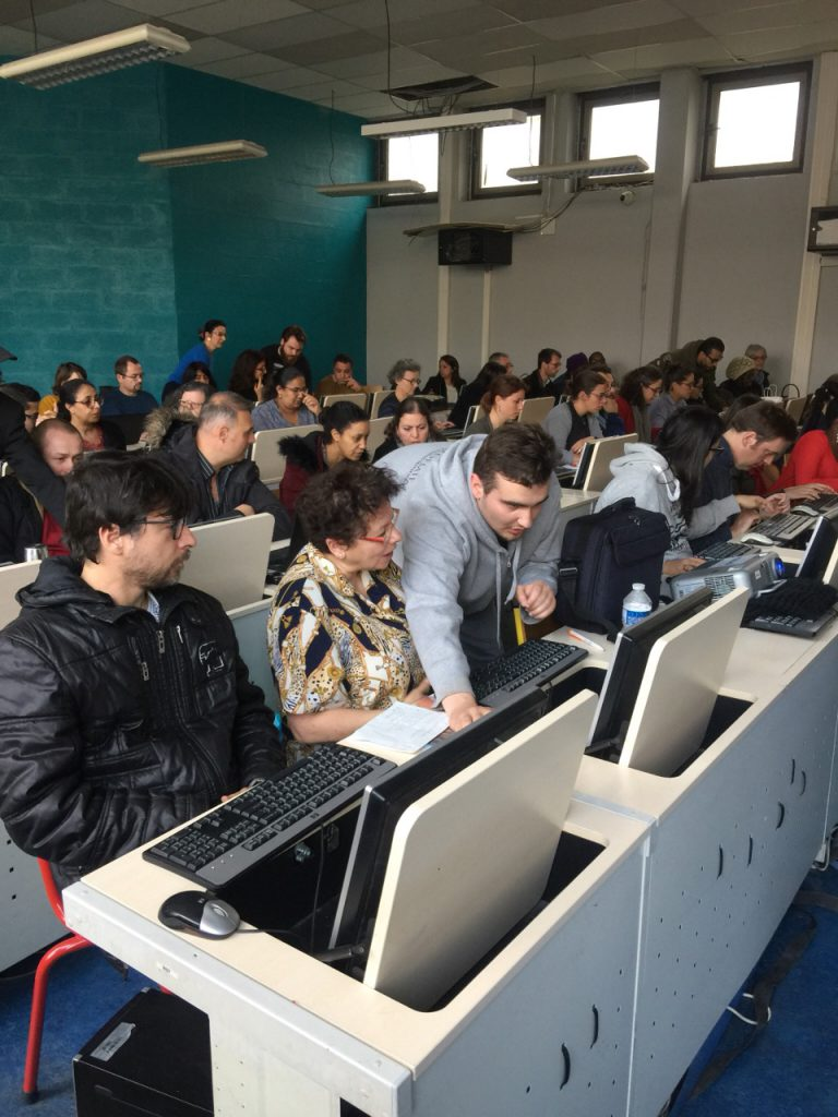 Les conseillers Pôle Emploi apprennent à coder lors d'un atelier qui suit la méthode pédagogique par projets d'Epitech et de la Web@cadémie